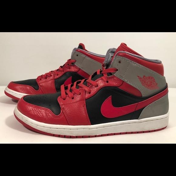 dirt cheap on wholesale performance sportswear Nike Men's Air Jordan 1 Mid Size 13 US